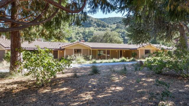 Carmel valley california 93923 listing 19587 green for Carmel house