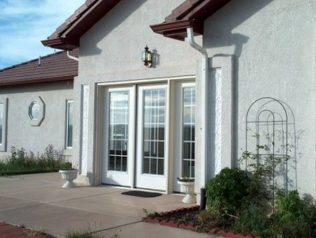 Colorado springs colorado 80908 listing 18848 green for Houses with mother in law suites for sale near me