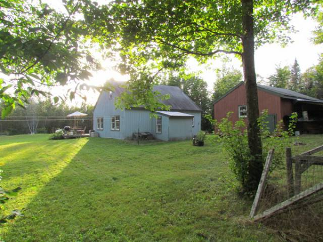 Thorndike maine 04986 listing 19436 green homes for sale for Cost to build a house in maine