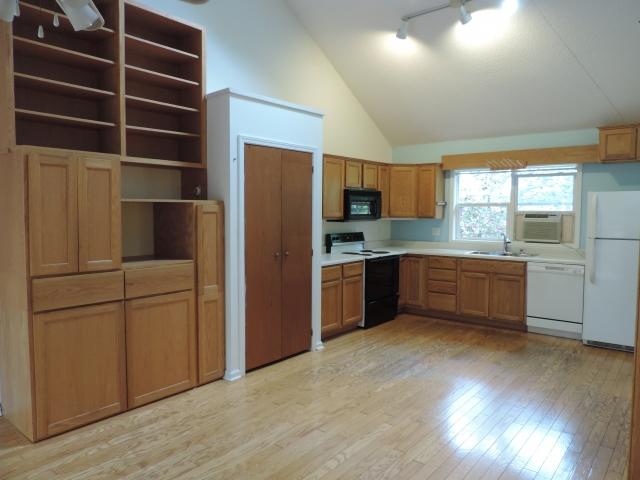 Asheville, North Carolina 28806 Listing #20435 — Green ...